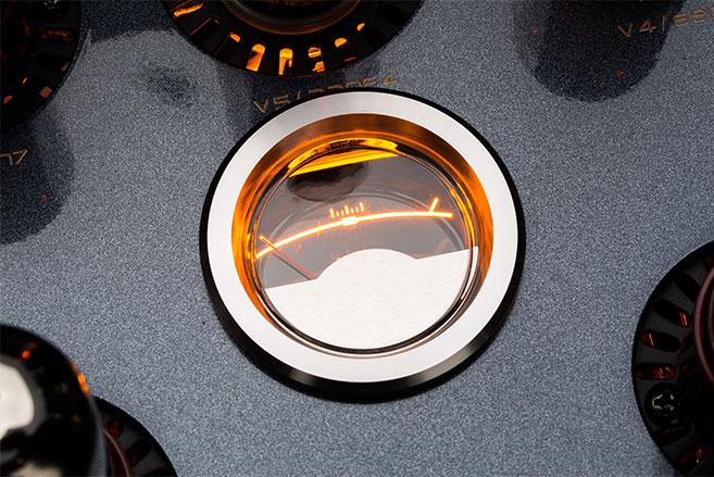 Röhrenverstärker CS-150A Bias Anzeige